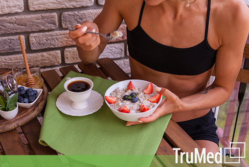 woman-breakfast-healthy-naturopathic-foods